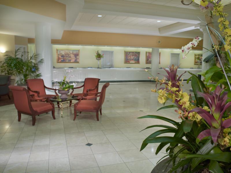 Rosen Plaza Lobby