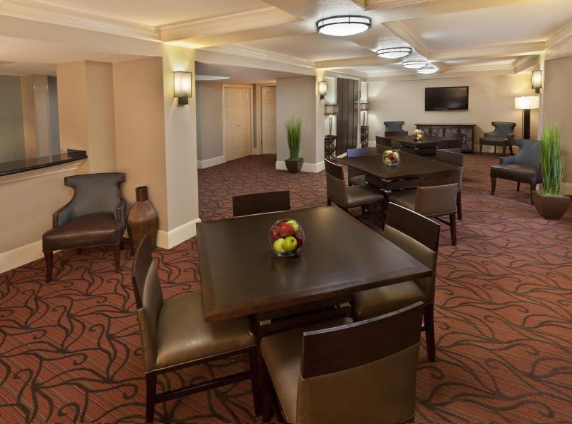 Hospitality Suite, 3-Bay Standard