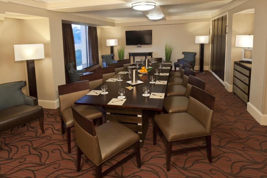 Hospitality Suite, 2-Bay Conference for 12 Guests