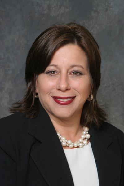 Amy Leniz - Directeur de la restauration Rosen Shingle Creek