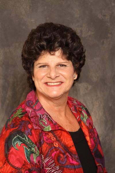 Patty Herder, Diretor Associado de Vendas