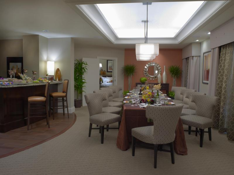Presidential Suite, Dining