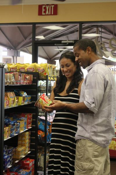 Lite Bite with couple shopping
