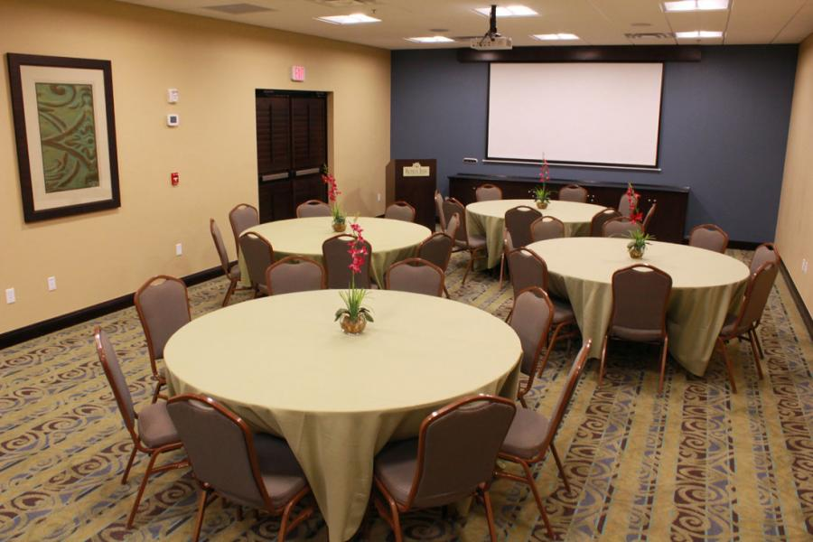 Magnolia Room (Round tops, 8 seats)
