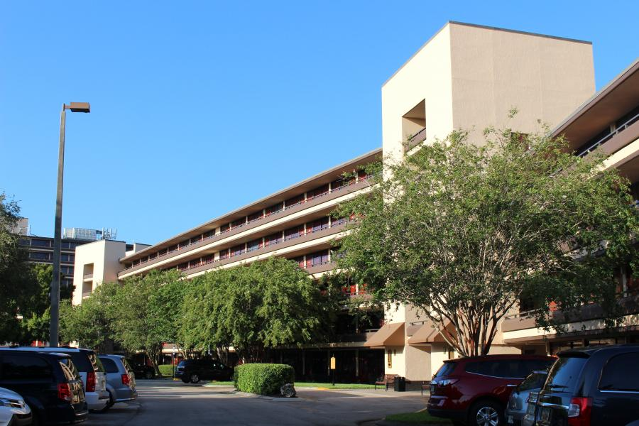 Rosen Inn at Pointe Orlando Building and Parking