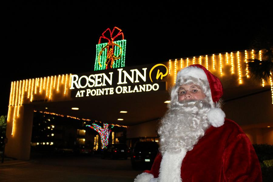 Santa Clause Visits Rosen Inn at Pointe Orlando