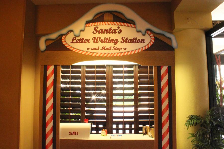 Santa\'s Letter Writing Station at Rosen Inn at Pointe Orlando