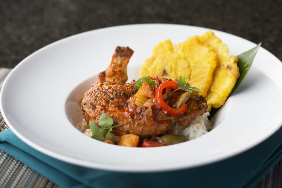 Harry's Poolside Bar and Grill Pollo Guisado