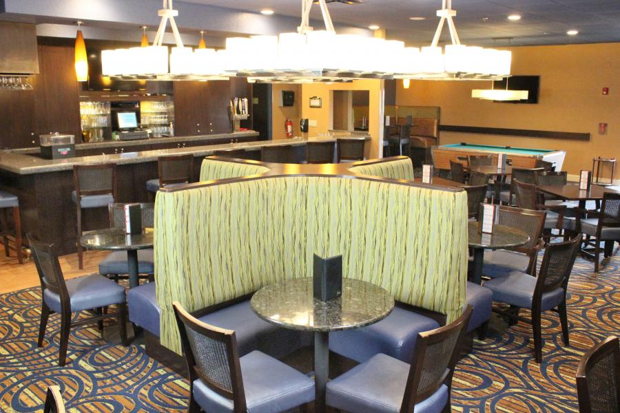 Topsy Turvey Lounge Seating with Bar