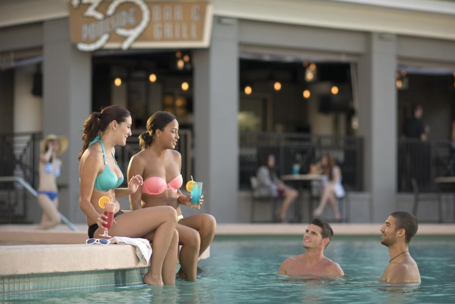 '39 Poolside Bar & Grill - Poolside (Far) Selects