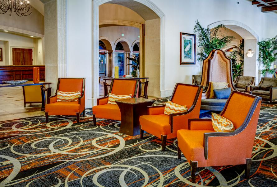 Contemporary furnishings of Rosen Shingle Creek's lobby.