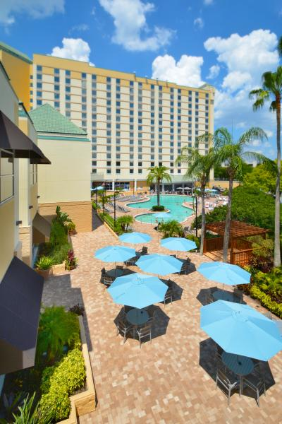 Rosen Plaza Poolside and Patio View