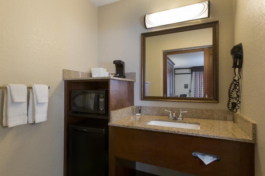 Rosen Inn Pointe Room Amenities