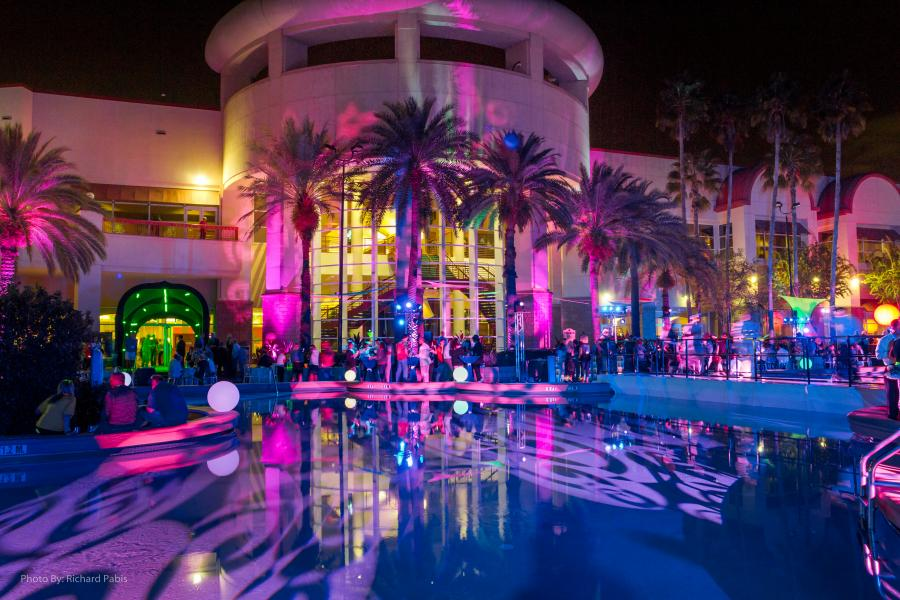 Scenic nighttime event poolside at Rosen Centre.