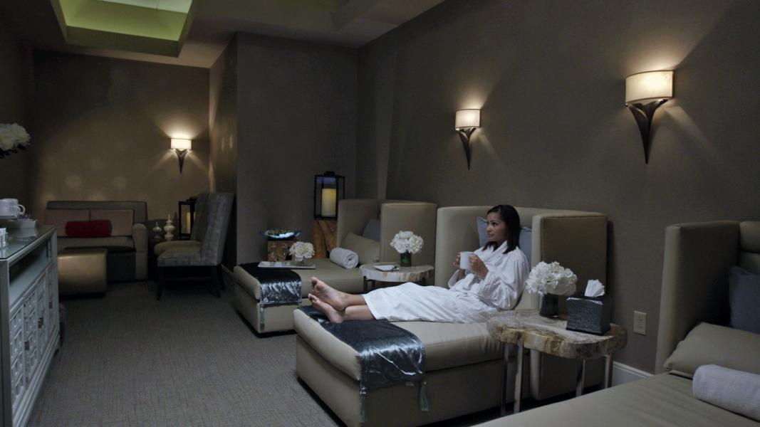 The Spa at Rosen Centre - Woman Relaxing