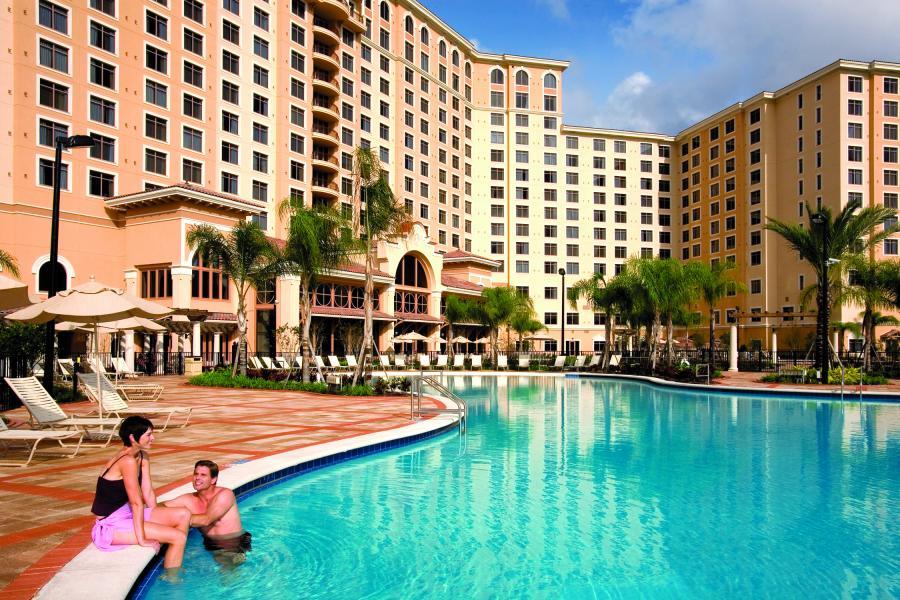 The zero entry pool, one of four outdoor swimming pools to enjoy the Orlando sunshine.