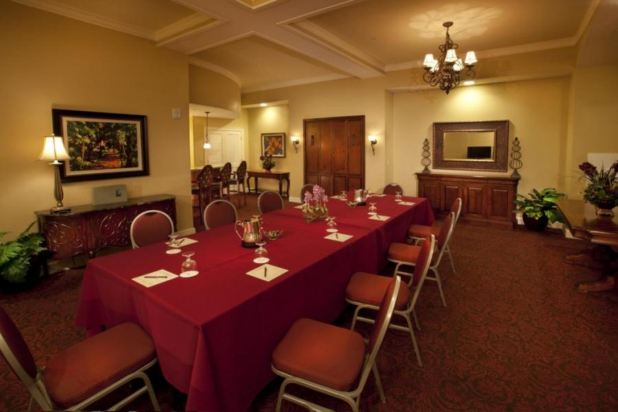 Rosen Shingle Creek's two-bay hospitality suite is ideal for private meetings up to ten people.
