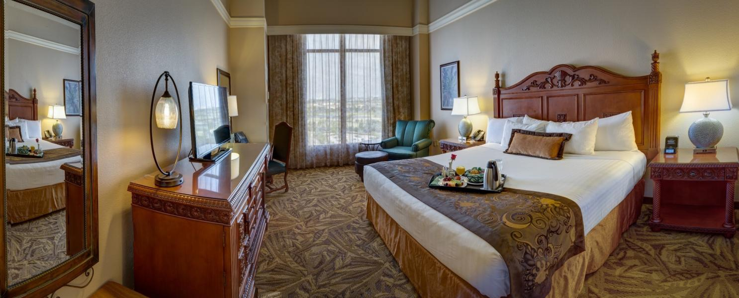 Rosen Shingle Creek's King Guestroom