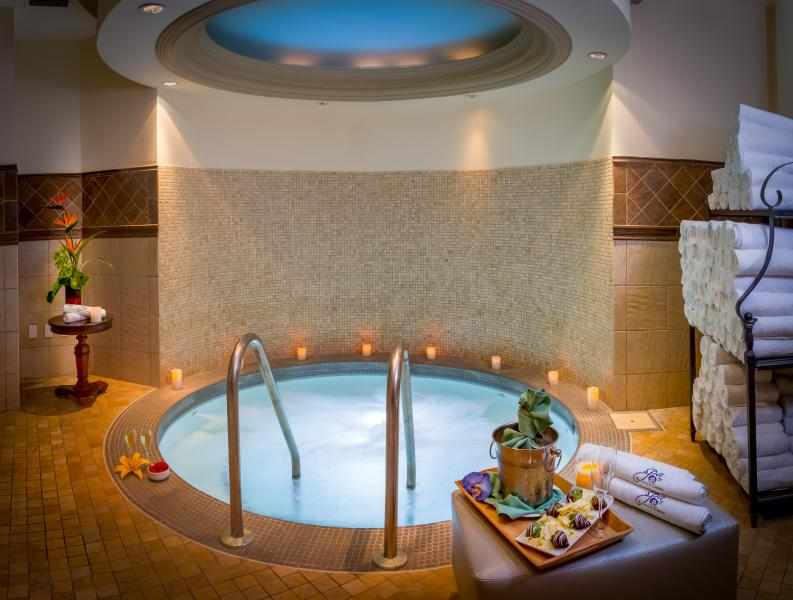 Rosen Reveal Spa -- The soothing whirlpool in the women's relaxation lounge at The Spa at Shingle Creek.
