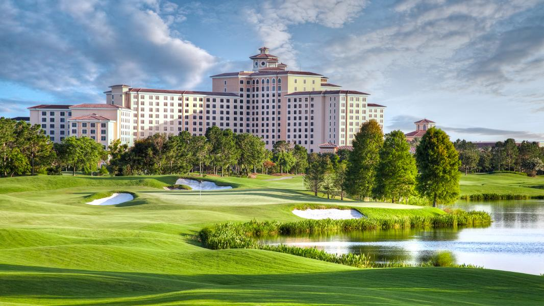 Rosen Shingle Creek's stately grounds and championship golf course.