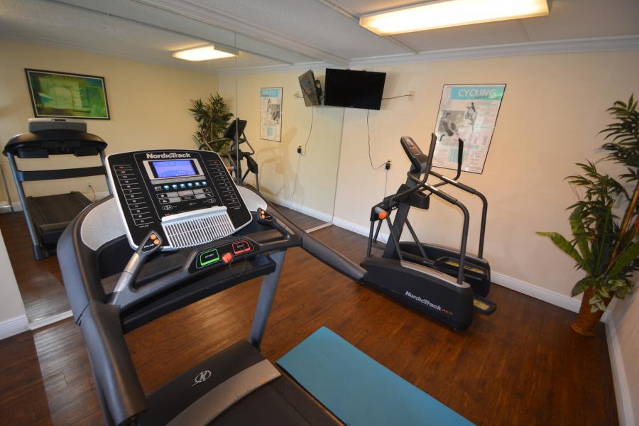 Midpointe Hotel Fitness Center