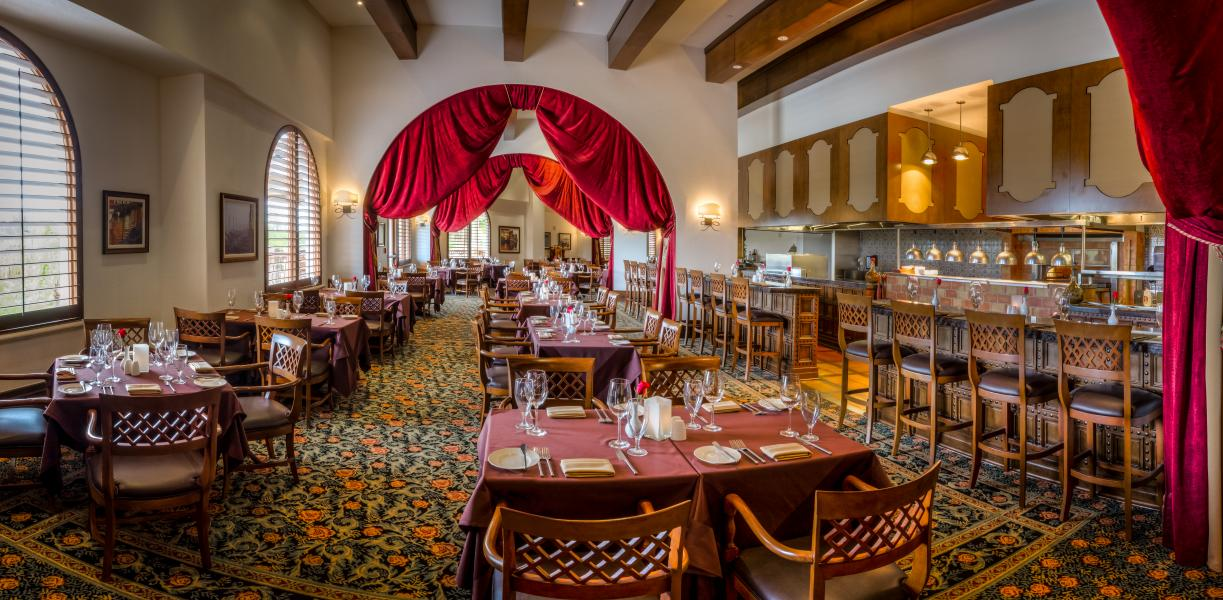 Enjoy the rich flavors of Rosen Shingle Creek's Italian bistro, Cala Bella restaurant.