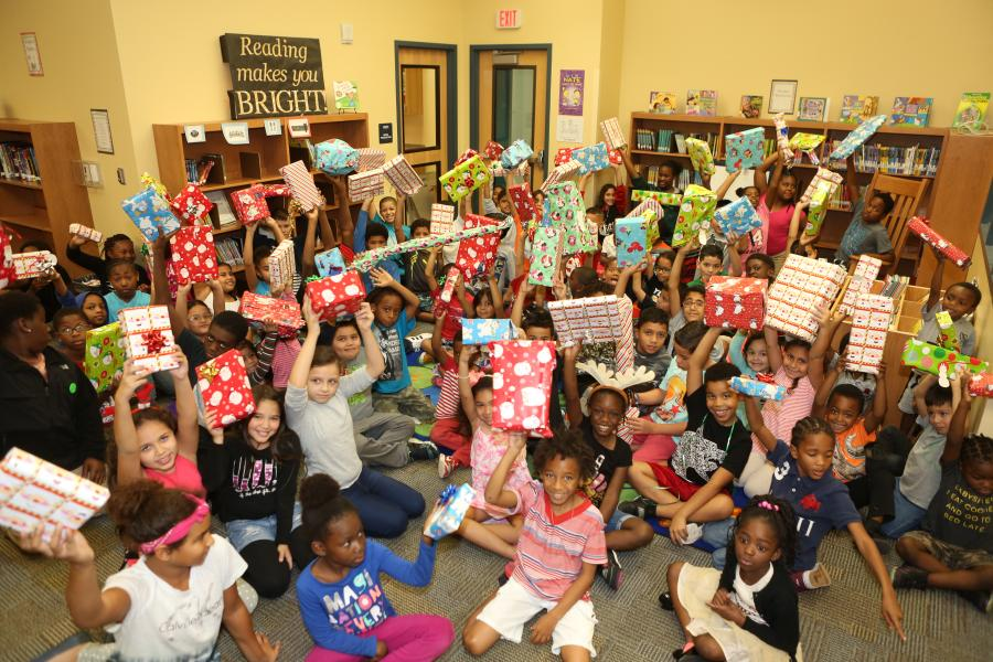 Holiday presents galore for Tangelo Park Elementary students thanks to SiteOne!