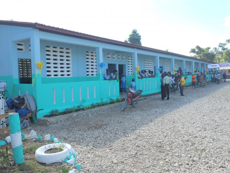 Dec. 2017 (Haiti) Schoolchildren gathering at the Institution Mixte St Jean De Jonc Labeille-Harris Rosen school in Haiti.