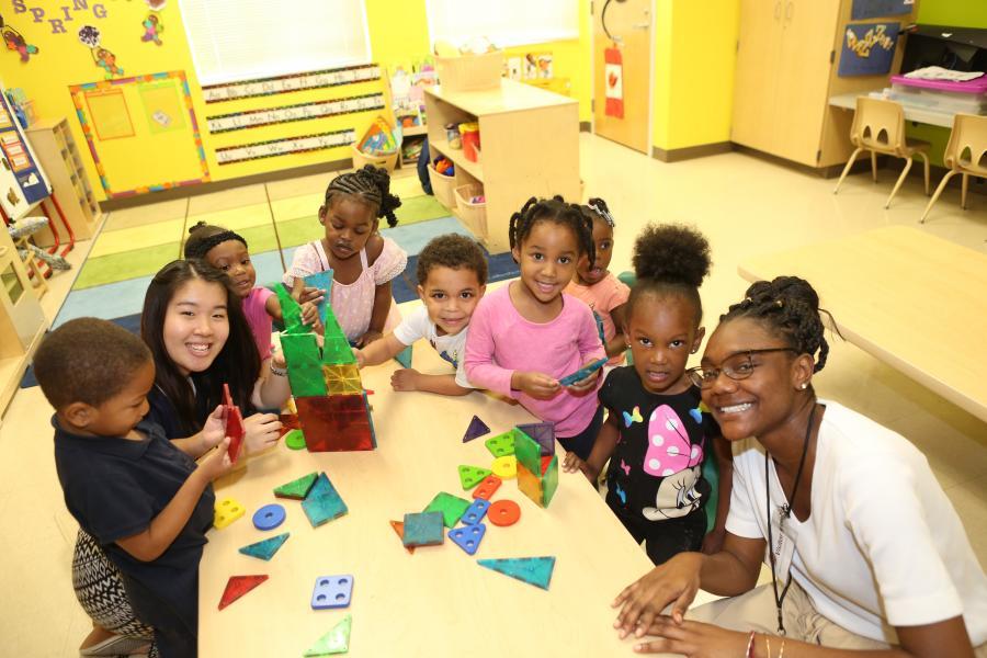 2018 -- Cornell Students Spend an Alternative Spring Break at the Rosen Preschool