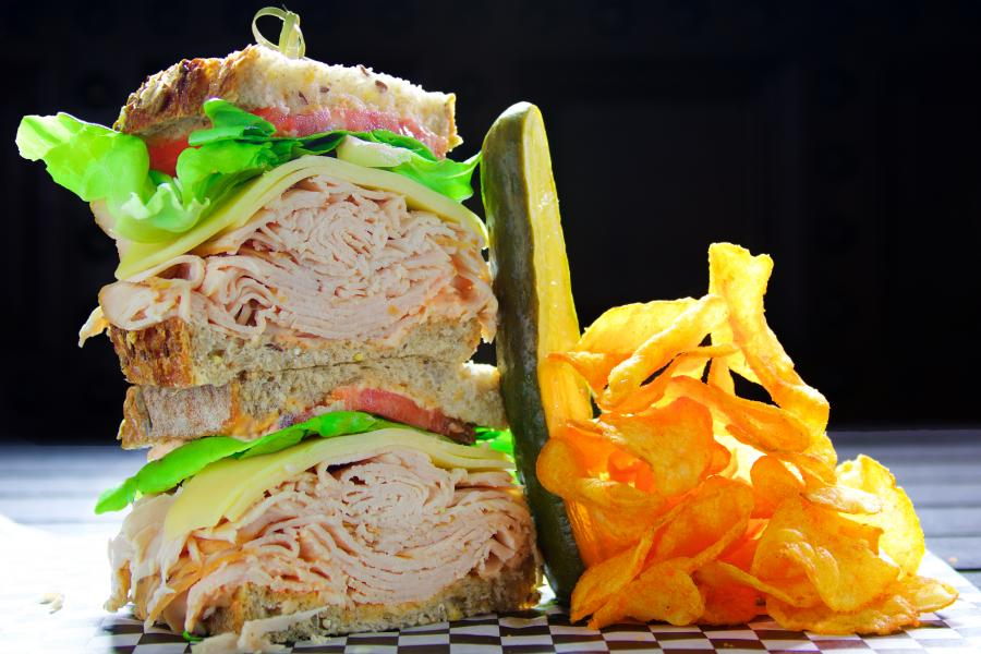 18 Monroe Street Market - Wallstreet Sandwich