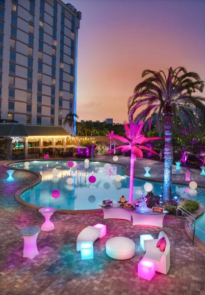 Rosen Plaza's poolside pops with personality for special events.
