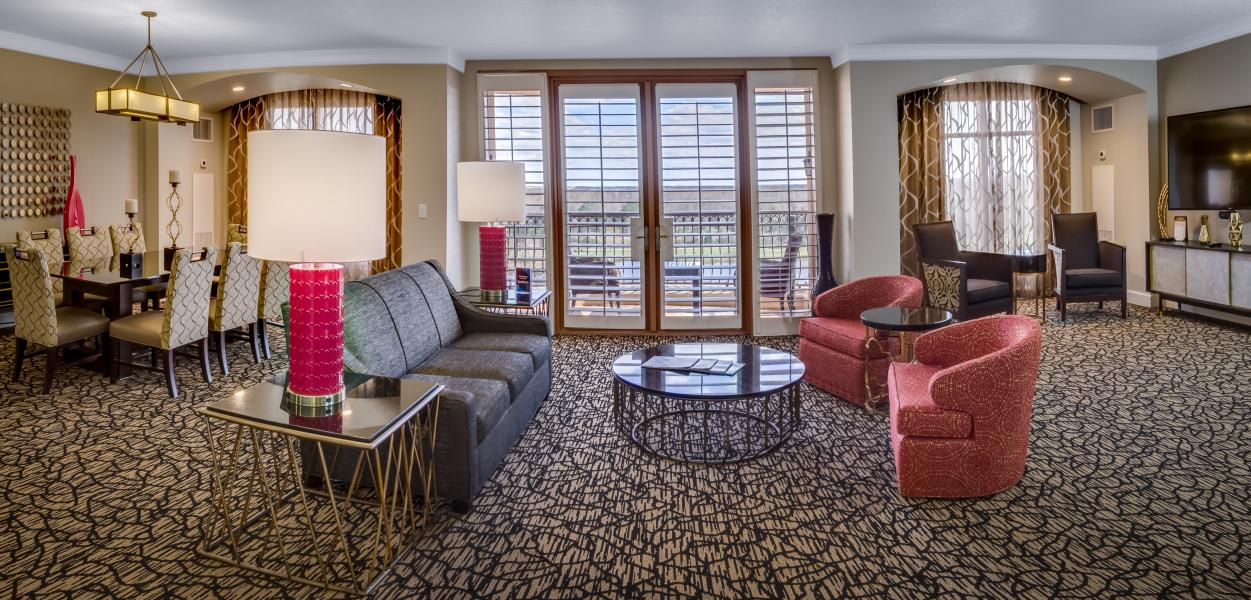 One of 37 Grande Parlor Suites designed with the social guest in mind.