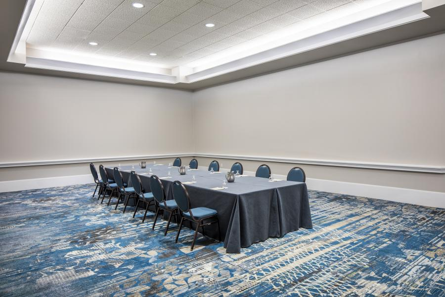 Salon Meeting Room