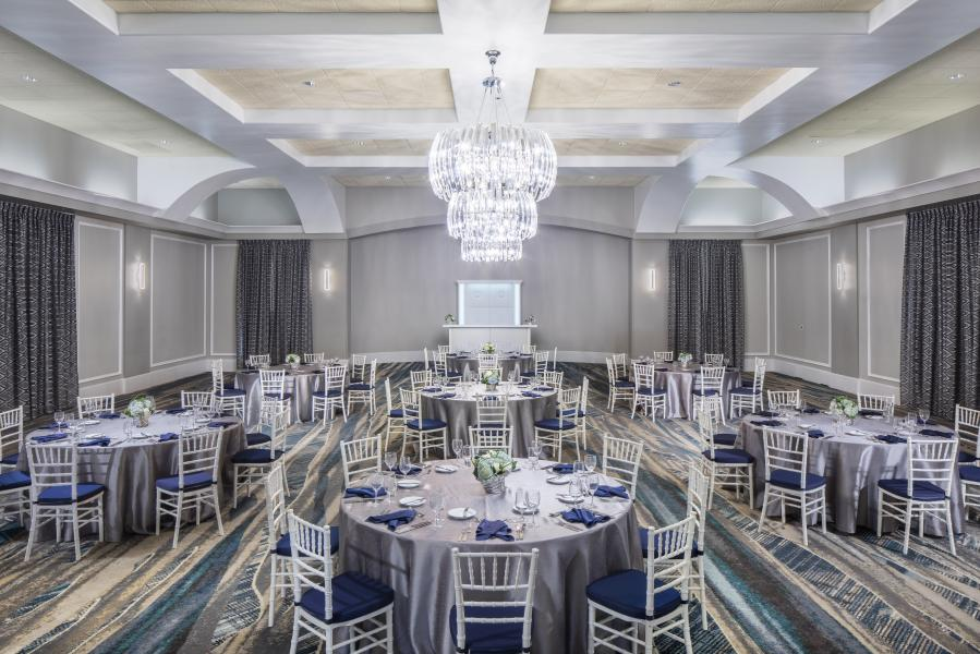 Set for a stately event, the hotel's Signature Room hosts intimate gatherings for meetings, weddings and other special events.